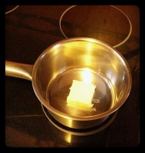 Derretir la mantequilla - sciogliere il burro