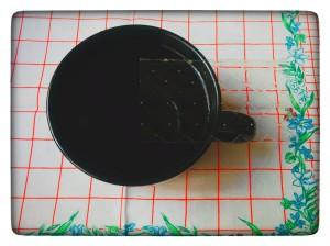 1. Hoja de gelatina en agua - foglio di colla di pesce nell'acqua