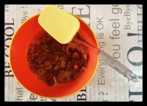 3. Mantequilla y galletas trituradas - burro e biscotti triturati