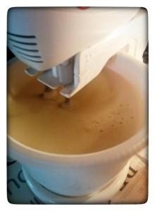 6. Verter la leche - versare il latte