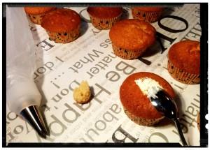 4. Cubrir y rellenar los cupcakes con la crema - ricoprire e riempire i cupcakes con la crema