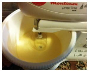 6. Mezclar sirope y yemas - mischiare sciroppo e tuorli