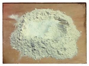 3. Echar levadura, sal y azucar - aggiungere lievito, sale e zucchero