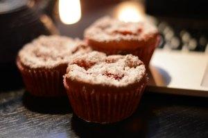 Muffins de chocolate y mermelada de fresa - Muffins al cioccolato con marmellata di fragola