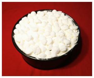 7. Cubrir la tarta con los merengues restantes - coprire la torta con le meringhe rimanenti