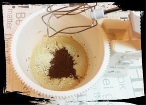 4. Agregar avena, almendras trituradas y cacao - aggiungere avena, mandorle triturate e cacao